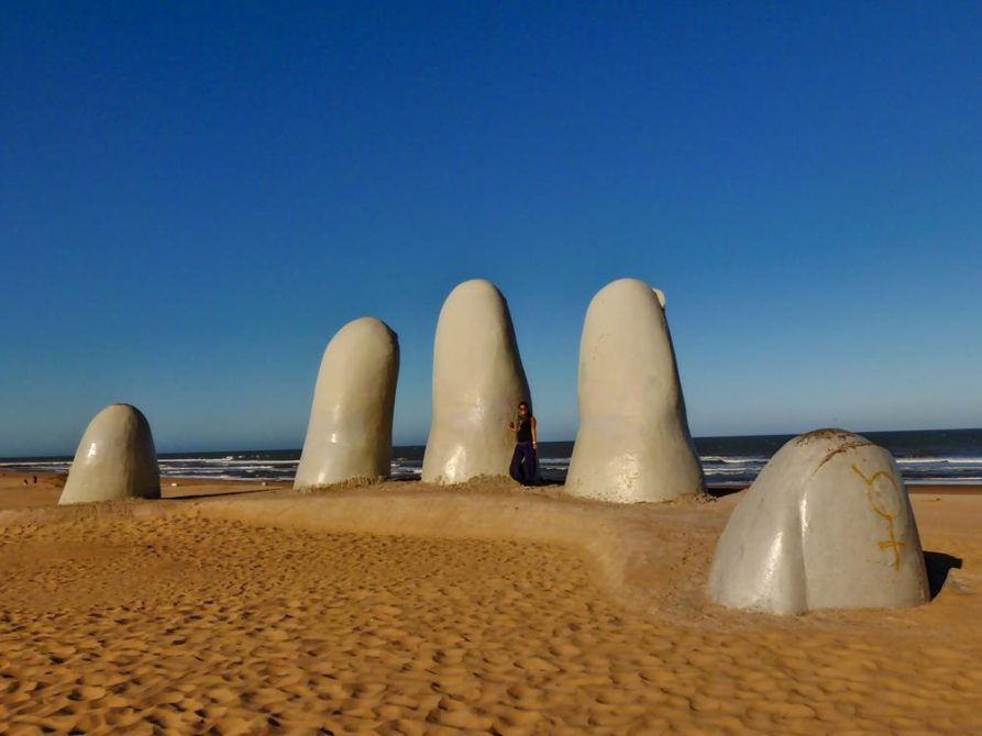 Die Hand im Sand, Wahrzeichen von Punta del Este, Uruguay